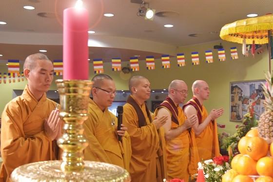 Phật tử Việt tại Cộng hòa Séc mừng Phật đản