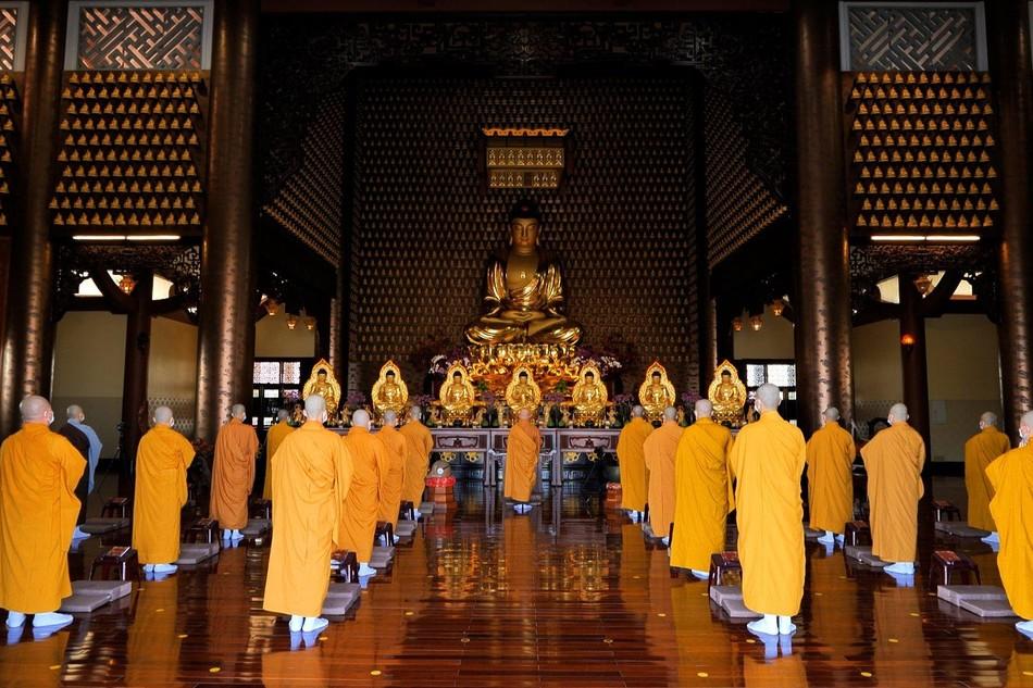 [TRỰC TUYẾN] Trì tụng kinh Phổ Môn từ Hạ trường cấm túc an cư chùa Huê Nghiêm