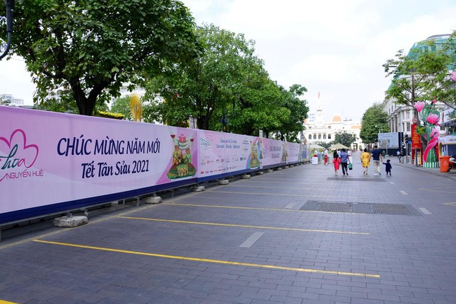Ngắm Đường hoa Nguyễn Huệ Tết Tân Sửu - 2021 qua ảnh ảnh 19