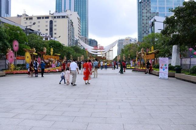 Ngắm Đường hoa Nguyễn Huệ Tết Tân Sửu - 2021 qua ảnh ảnh 20