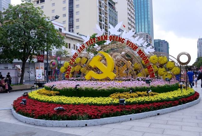 Ngắm Đường hoa Nguyễn Huệ Tết Tân Sửu - 2021 qua ảnh ảnh 11