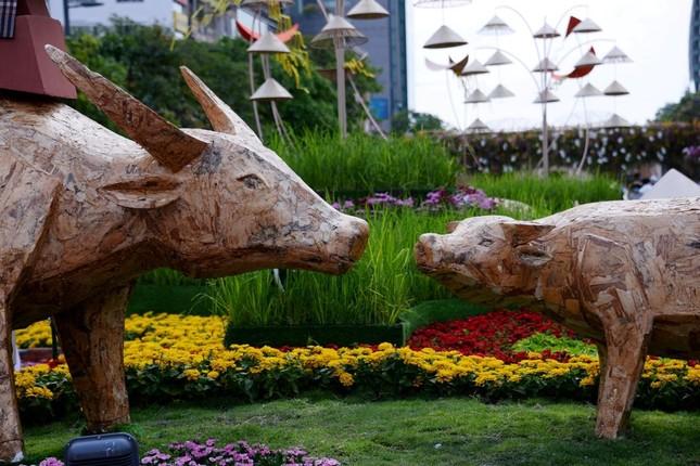 Ngắm Đường hoa Nguyễn Huệ Tết Tân Sửu - 2021 qua ảnh ảnh 1