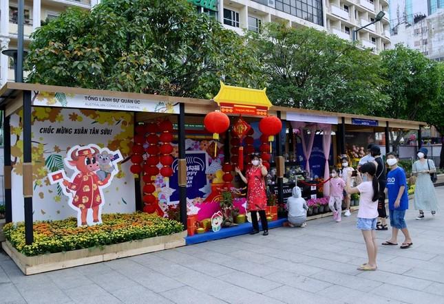 Ngắm Đường hoa Nguyễn Huệ Tết Tân Sửu - 2021 qua ảnh ảnh 2