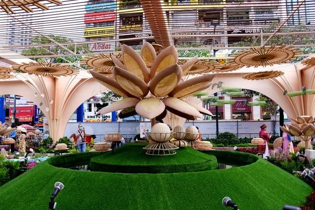 Ngắm Đường hoa Nguyễn Huệ Tết Tân Sửu - 2021 qua ảnh ảnh 6