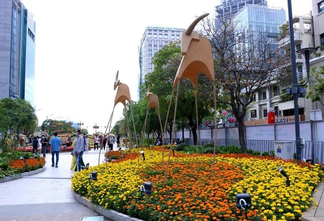 Ngắm Đường hoa Nguyễn Huệ Tết Tân Sửu - 2021 qua ảnh ảnh 8