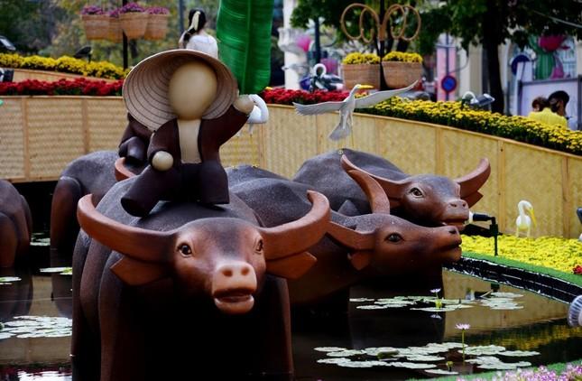 Ngắm Đường hoa Nguyễn Huệ Tết Tân Sửu - 2021 qua ảnh ảnh 12