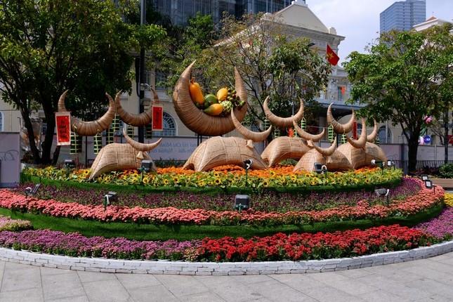 Ngắm Đường hoa Nguyễn Huệ Tết Tân Sửu - 2021 qua ảnh ảnh 14