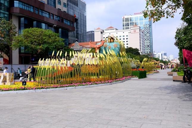 Ngắm Đường hoa Nguyễn Huệ Tết Tân Sửu - 2021 qua ảnh ảnh 18