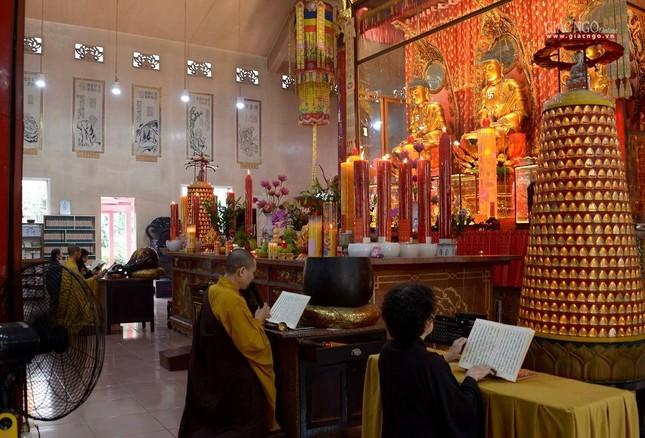 Cảnh chùa Sài Gòn - TP.HCM lung linh trong nắng xuân ảnh 19