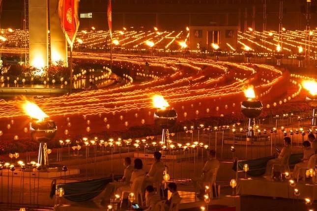 200.000 Phật tử Thái Lan tham gia ngày lễ thiêng liêng qua ứng dụng trực tuyến ảnh 4