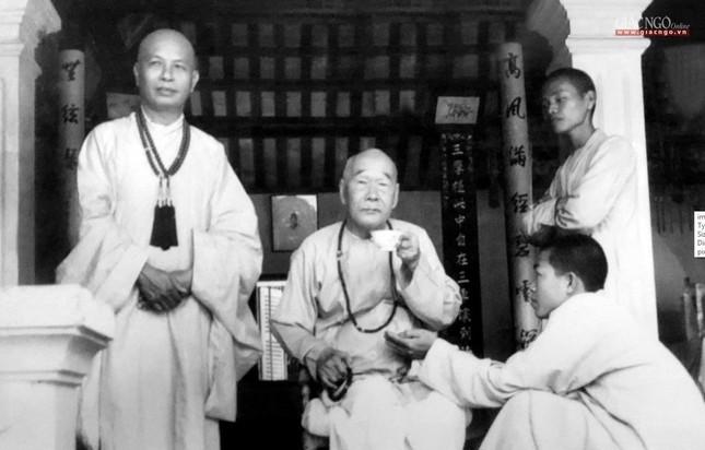 Trang nghiêm lễ tưởng niệm Đức Đại lão Hòa thượng Thích Tịnh Khiết tại Huế và TP.HCM ảnh 3