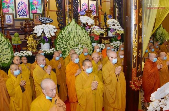 Giáo hội Trung ương, TP.HCM viếng tang Hòa thượng Thích Nhật Ấn ảnh 12