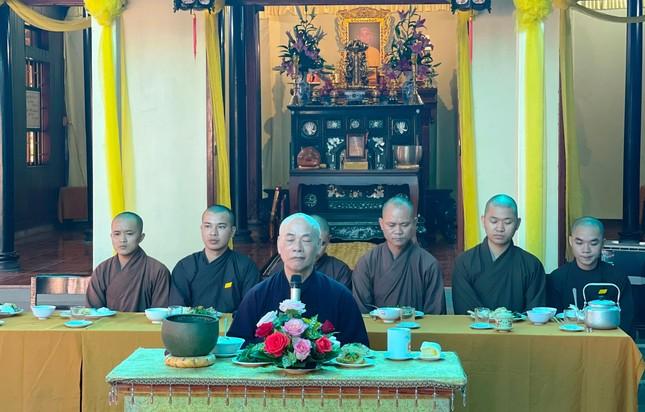 Bữa cơm chánh niệm của Phật tử tại chùa Phật Học Quảng Trị ảnh 1