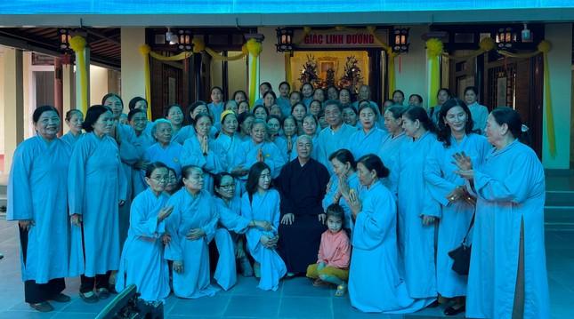 Bữa cơm chánh niệm của Phật tử tại chùa Phật Học Quảng Trị ảnh 5