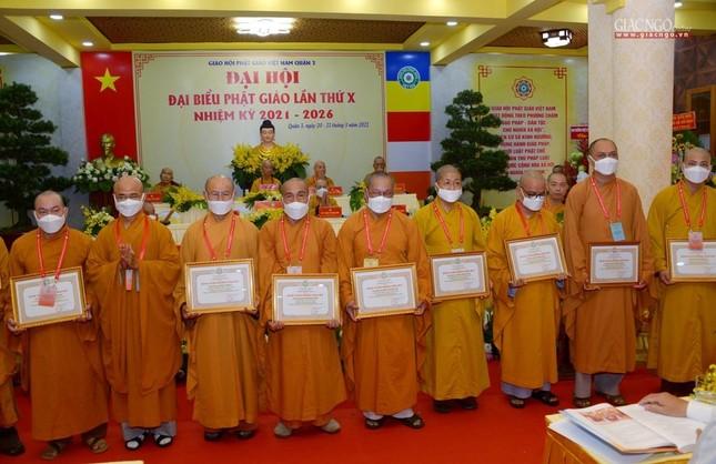 Đại hội đại biểu Phật giáo quận 3 đã suy cử Tân Ban Trị sự nhiệm kỳ 2021-2026 với 34 thành viên ảnh 24