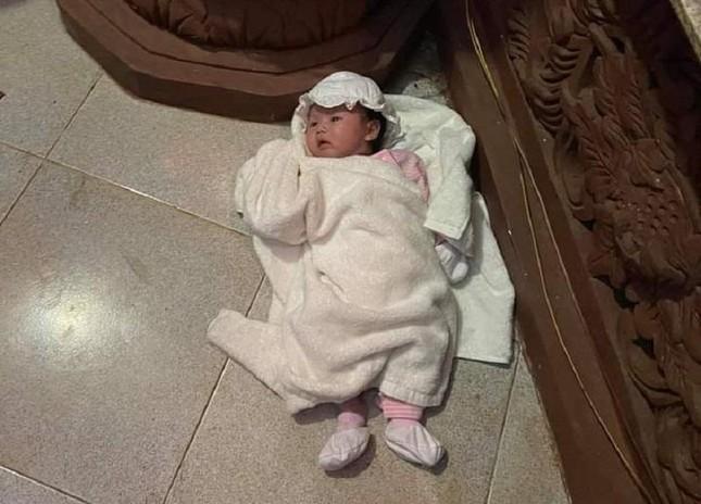 Bình Phước: Bé sơ sinh bị mẹ bỏ lại trong chùa Phước Huệ ảnh 1