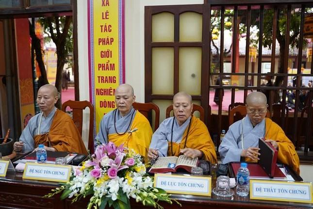 Chính thức truyền giới tại Đại giới đàn Hà Nội Phật lịch 2565 ảnh 55