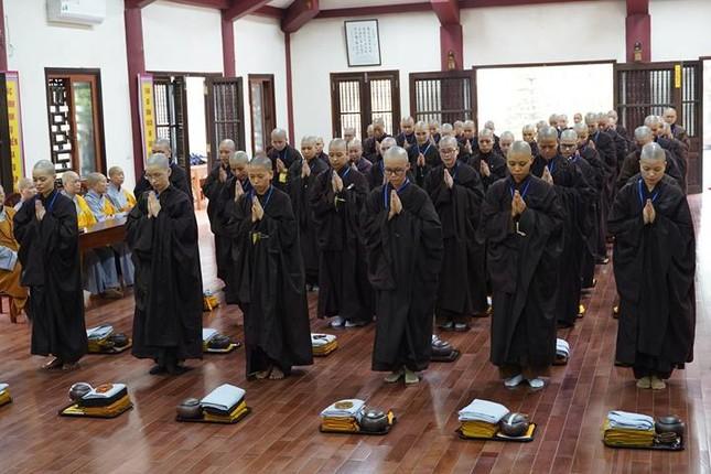 Chính thức truyền giới tại Đại giới đàn Hà Nội Phật lịch 2565 ảnh 73