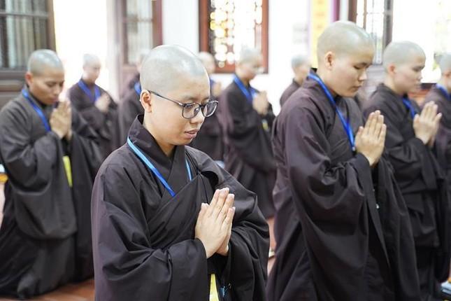 Chính thức truyền giới tại Đại giới đàn Hà Nội Phật lịch 2565 ảnh 76