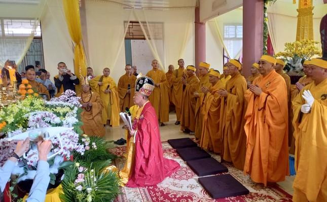 Gia Lai: Lễ truy niệm, cung tống kim quan Trưởng lão Hòa thượng Thích Từ Hương nhập tháp ảnh 9