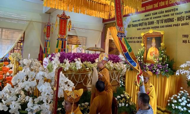 Gia Lai: Lễ truy niệm, cung tống kim quan Trưởng lão Hòa thượng Thích Từ Hương nhập tháp ảnh 10
