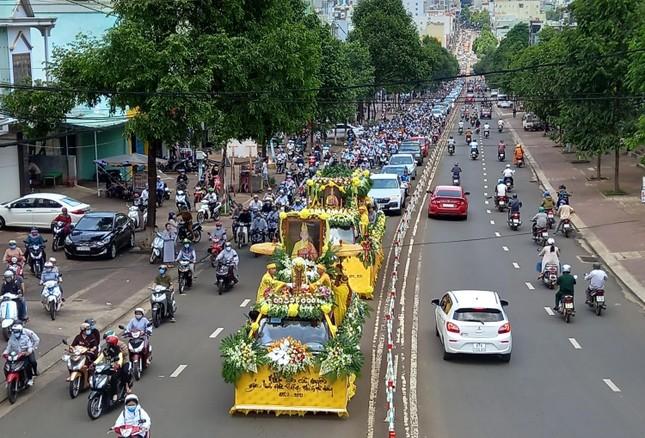 Gia Lai: Lễ truy niệm, cung tống kim quan Trưởng lão Hòa thượng Thích Từ Hương nhập tháp ảnh 12