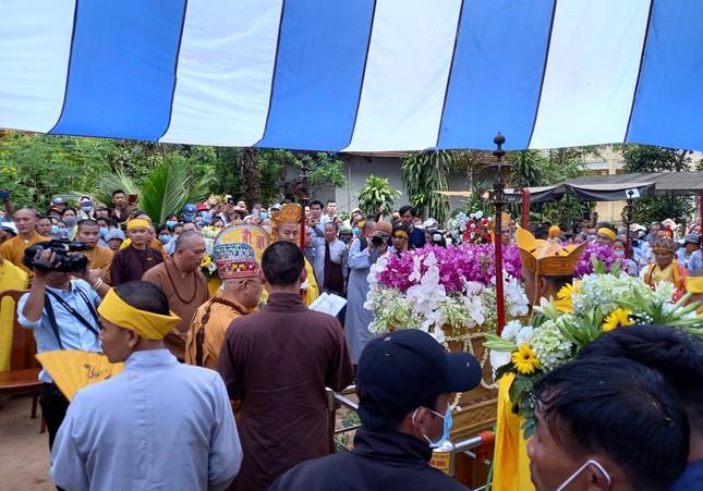 Gia Lai: Lễ truy niệm, cung tống kim quan Trưởng lão Hòa thượng Thích Từ Hương nhập tháp ảnh 13