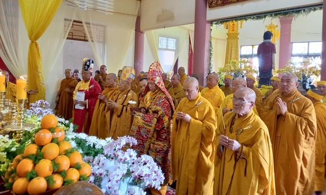 Gia Lai: Lễ truy niệm, cung tống kim quan Trưởng lão Hòa thượng Thích Từ Hương nhập tháp ảnh 1