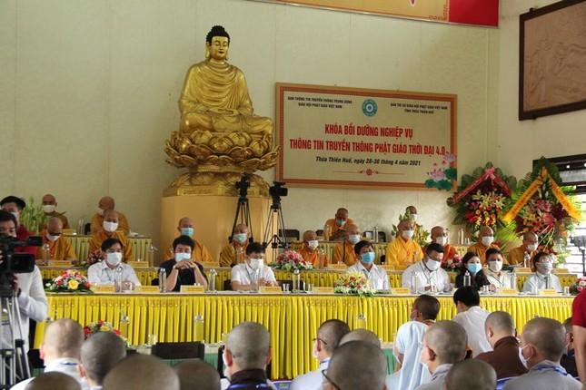 Thừa Thiên Huế: Khai mạc khóa bồi dưỡng nghiệp vụ thông tin truyền thông Phật giáo ảnh 9