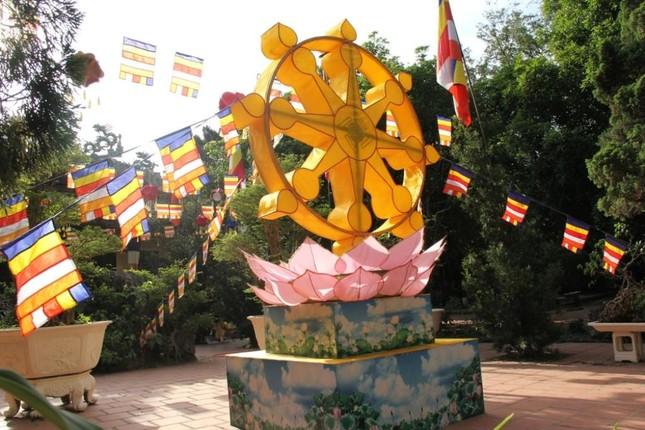 Yên ắng không khí Phật đản ở cố đô Huế ảnh 15