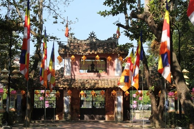 Yên ắng không khí Phật đản ở cố đô Huế ảnh 1