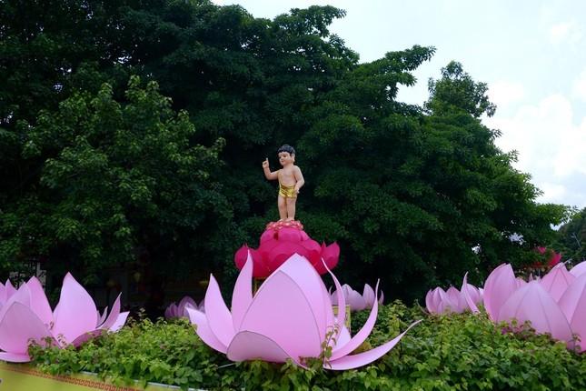 Nhìn lại: Một mùa Phật đản đặc biệt ảnh 3