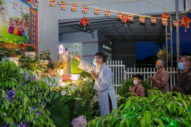 Nhìn lại: Một mùa Phật đản đặc biệt ảnh 4