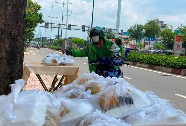 Bình Thạnh: Chùa Bát Nhã, Bảo Vân tặng cơm chay miễn phí mỗi ngày đến hết giãn cách xã hội ảnh 3