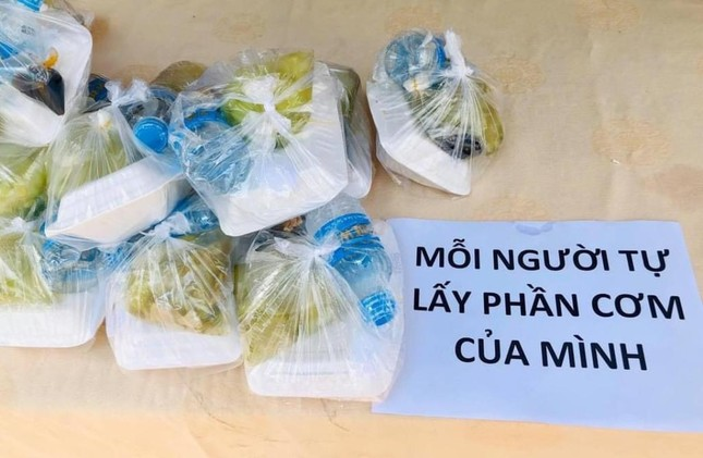 Bình Thạnh: Chùa Bát Nhã, Bảo Vân tặng cơm chay miễn phí mỗi ngày đến hết giãn cách xã hội ảnh 8