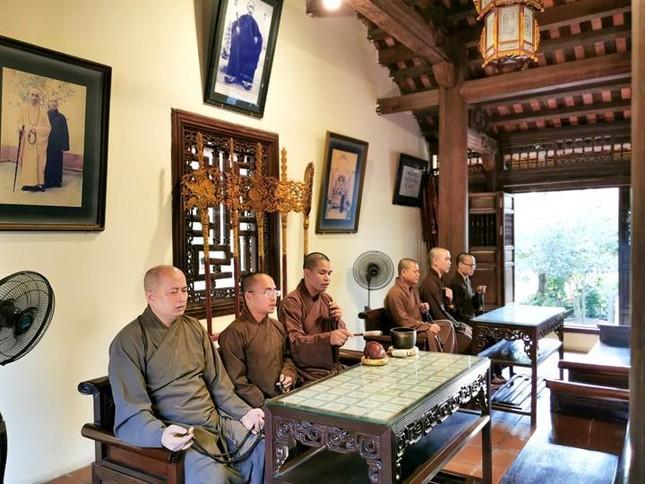 Một ngày an cư trong mùa giãn cách xã hội tại chùa Bằng - Hà Nội ảnh 9