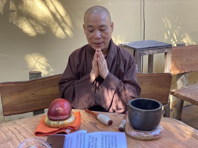 Một ngày an cư trong mùa giãn cách xã hội tại chùa Bằng - Hà Nội ảnh 8