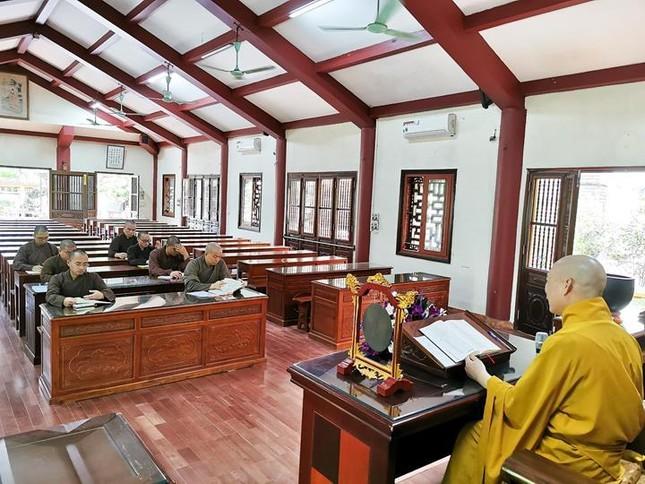 Một ngày an cư trong mùa giãn cách xã hội tại chùa Bằng - Hà Nội ảnh 5