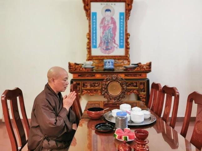 Một ngày an cư trong mùa giãn cách xã hội tại chùa Bằng - Hà Nội ảnh 3