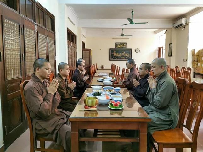 Một ngày an cư trong mùa giãn cách xã hội tại chùa Bằng - Hà Nội ảnh 4