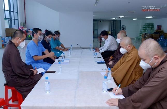 Trưởng lão Hòa thượng Thích Trí Quảng nói về việc Tăng Ni điều trị tại Bệnh viện Dã chiến số 10 ảnh 3