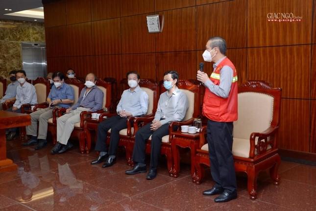 Ban Trị sự Phật giáo TP.HCM trao tặng 6 chiếc xe cứu thương phục vụ bệnh nhân ảnh 3