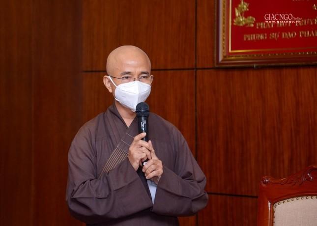 Ban Trị sự Phật giáo TP.HCM trao tặng 6 chiếc xe cứu thương phục vụ bệnh nhân ảnh 5
