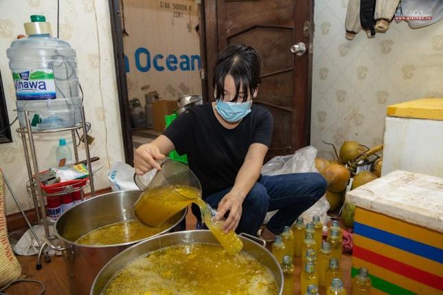 [ẢNH] Một ngày ở bếp chùa phục vụ gần 10.000 suất ăn cho lực lượng tuyến đầu chống dịch ảnh 75