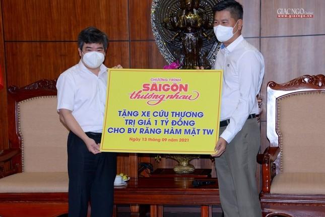 Ban Trị sự Phật giáo TP.HCM tiếp tục tổ chức trao tặng 10 xe cứu thương đến các bệnh viện ảnh 18
