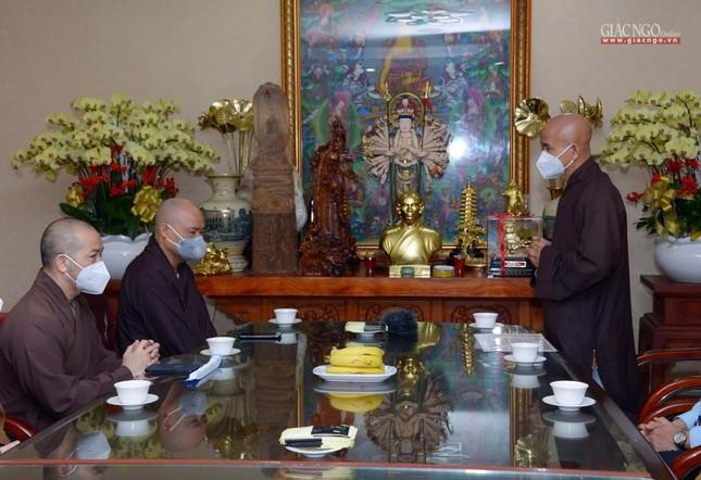 Ban Trị sự GHPGVN TP.HCM thăm các chùa Vĩnh Nghiêm, Giác Ngộ, Tường Nguyên, Nam Thiên Nhất Trụ ảnh 8