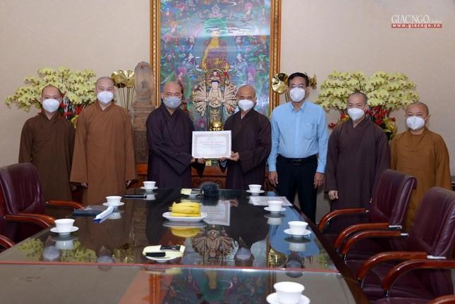 Ban Trị sự GHPGVN TP.HCM thăm các chùa Vĩnh Nghiêm, Giác Ngộ, Tường Nguyên, Nam Thiên Nhất Trụ ảnh 1
