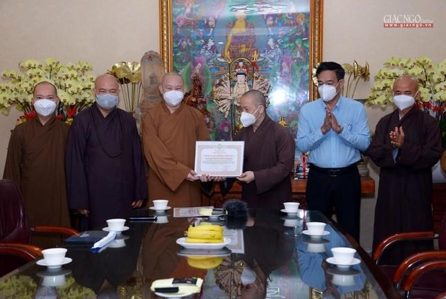 Ban Trị sự GHPGVN TP.HCM thăm các chùa Vĩnh Nghiêm, Giác Ngộ, Tường Nguyên, Nam Thiên Nhất Trụ ảnh 13