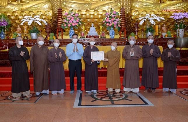 Ban Trị sự GHPGVN TP.HCM thăm các chùa Vĩnh Nghiêm, Giác Ngộ, Tường Nguyên, Nam Thiên Nhất Trụ ảnh 4