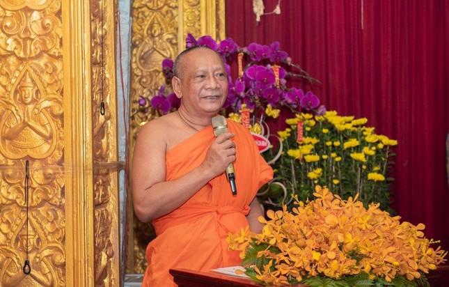 Phó Thủ tướng Thường trực Trương Hòa Bình thăm và tặng quà tại chùa Chantarangsay ảnh 5
